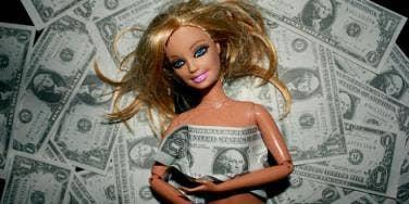 barbie loves money