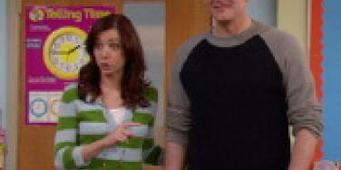 Alyson Hannigan Hates Kissing TV Hubby
