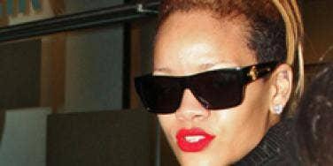 "Rihanna's Advice To Fans: ""F Love"""