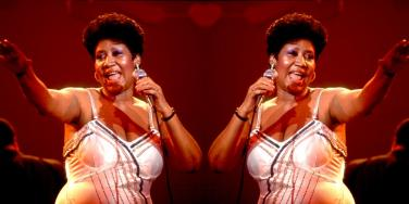 Why Did Aretha Franklin Always Carry Her Purse On Stage? Details Why Singer Always Asked To Be Paid In Cash
