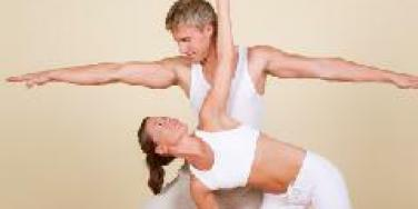 couples yoga