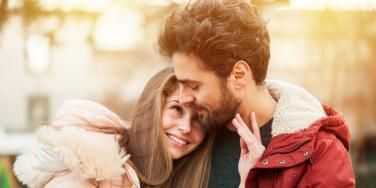 How To Tell Which Of The 5 Loves Stages Of Relationships You're In & What You'll Feel During Each One