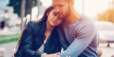 Should I Date Him? 5 Dating Red Flags You Should Avoid To Stay Out Of A Toxic Relationship