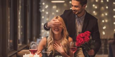 The Best (And Most Romantic!) Valentine's Day Gifts & Date Ideas For Your Wife Or Girlfriend