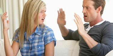 8 Signs Your Boyfriend Is Way Too Controlling