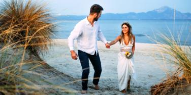 20 Tips and Tricks To Having A Successful Beach Wedding