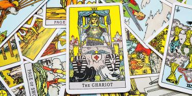 The Chariot Tarot Card Meaning: Upright, Reversed & In Love