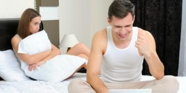 Sex: Is Your Computer Wrecking Your Love Life?