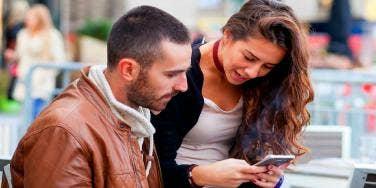 Over 40 Set Discovers Internet, Internet Dating