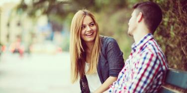 couple learning effective communication skills in healthy relationships