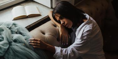 7 Ways Emotionally Abused People Love Differently