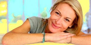 Makeup For Older Women: 14 Easy Tips For Women Over 50