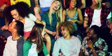 Get Flirty! 14 Body Language Dos & Don'ts