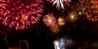 Time For Fireworks! 10 Dazzling Fourth Of July Date Ideas