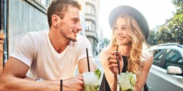25 Fun & Romantic Date Night Ideas For Couples