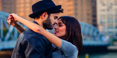 """7 """"Little Things"""" That Make People Happier In Their Relationship"""