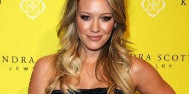 Hilary Duff yellow wall