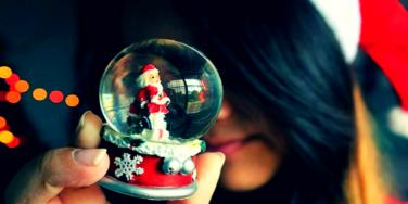 6 Tips For Helping Those Suffering Holiday Depression