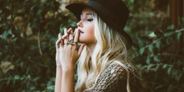 How The Hottest Women Attract Men Every Single Day