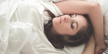 How To Fall Asleep Fast With 6 Natural Remedies For Sleeping