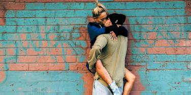 How To Kiss A Guy So He'll Fall In Love, Want To Get Married & Never Leave