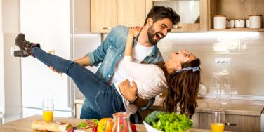 How To Be A Better Wife Or Girlfriend Using CBD Oil To Improve Relationship Problems