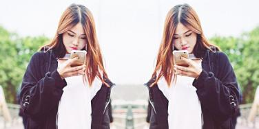 Signs He Wants To Be More Than Friends, Based On How Guys Text When They Like You