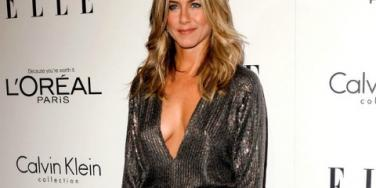 "Jennifer Aniston On Her Angelina ""Feud"" & New Love Justin Theroux"