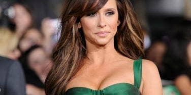 Jennifer Love Hewitt Is In Love With Her Boobs, But Guys Aren't?