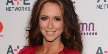 Love News: Jennifer Love Hewitt Is Pregnant & Engaged!