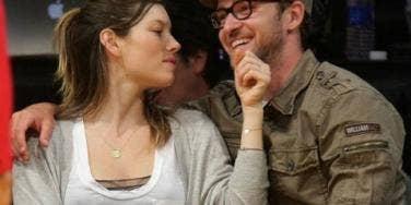 Justin Timberlake Put A (Huge!) Ring On Jessica Biel's Finger