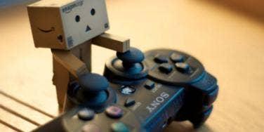 box man playing game
