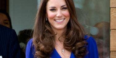 Dashing Kate Middleton Makes Three Soldiers Faint!
