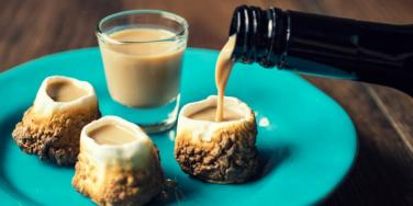 toasted marshmallow shot glasses