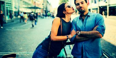 3 Ways To Flirt With A Man (So That He'll Never Forget You)