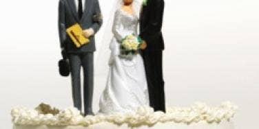 wedding cake bride groom man cheating