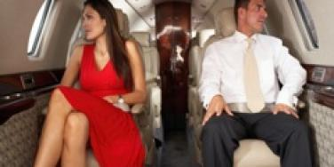 couple on a plane