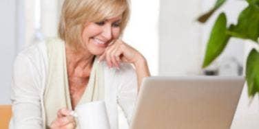 8 Online Dating Tips For Divorced Singles [EXPERT]