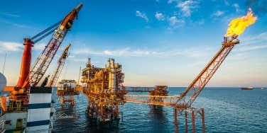 oil platform fire
