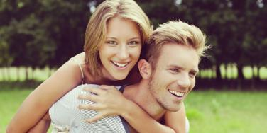 couple taking the wrong dating advice