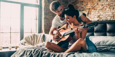 Is It Fake or Fearless Love? A Checklist to Spot The Signs.
