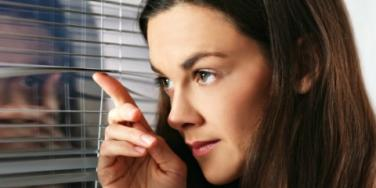 Secrecy, Snooping & Other Killers Of Relationships