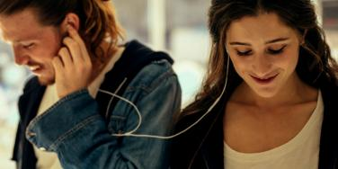 best friends in love listening to music