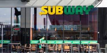 subway restaurant workers