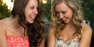 teenage girls texting