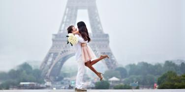 6 Romantic Things To Do As A Couple In Paris This Winter