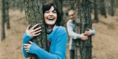 tree hugger couple
