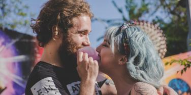 7 Introvert Extrovert Relationship Tips For Opposite Personality Types