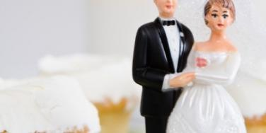 Single? How To Keep Friends From Pressuring You To Get Married