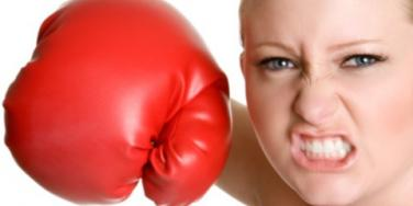 Woman Punches boxer boxing
